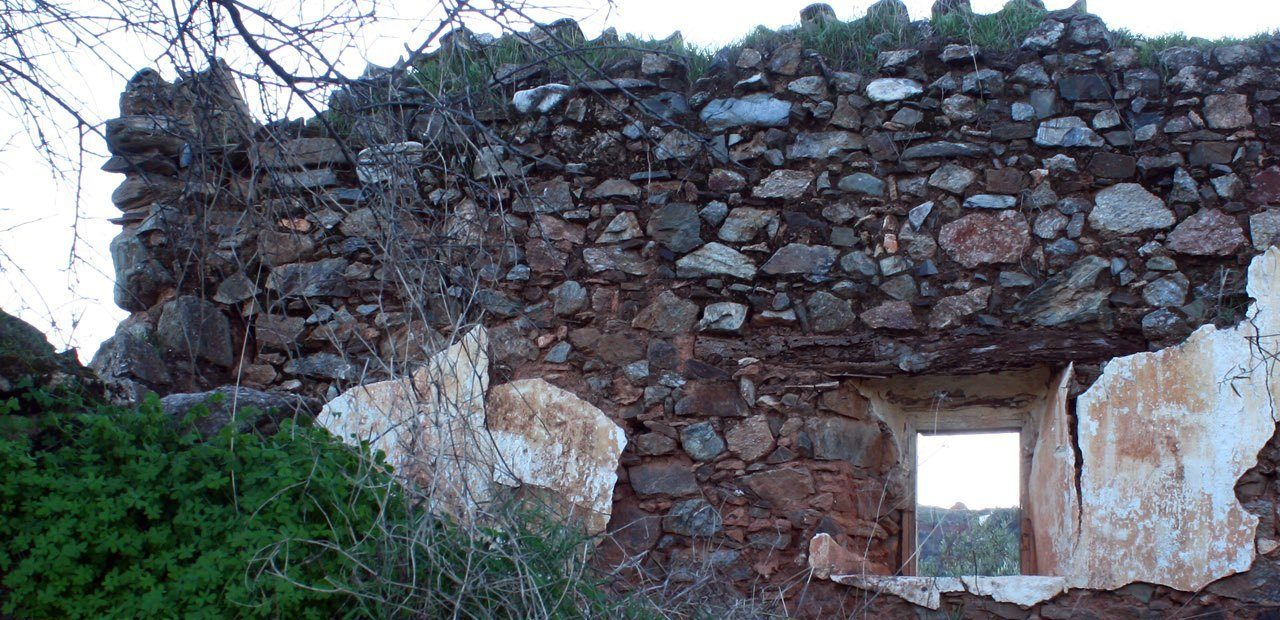 https://lurearqueologia.es/lu2021/wp-content/uploads/2011/12/prospeccion-arqueologica-malaga-guaro1-1280x620.jpg